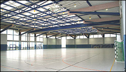 Sporthallen für Fußball-Trainingslager im Winter